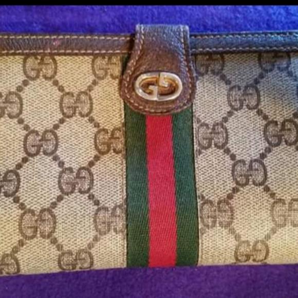 d594d1fbd61c Gucci Handbags - Vintage Gucci on runway! Gucci GAC Vintage wallet